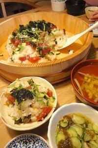漬け鮪のちらし寿司 - 週末は晴れても、雨でも