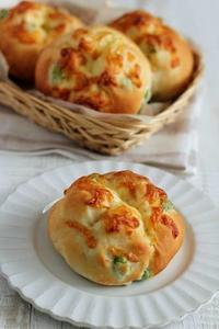 夏に食べたい枝豆とチーズのパン - Takacoco Kitchen