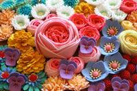 フェルトの花のパーツが勢ぞろい&ブログお休みのお知らせ - ビーズ・フェルト刺繍作家PieniSieniのブログ