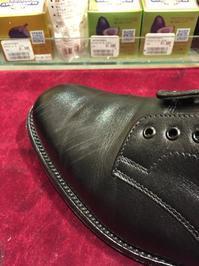 ちょっとしたキズなら目立たなくなります!! - 銀座三越5F シューケア&リペア工房<紳士靴・婦人靴・バッグ・鞄の修理&ケア>