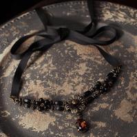 黒金の花のグログランリボンチョーカー&ロングチェーンイヤリング - Labra ~stones and beads~