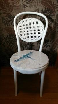 モザイクの白い椅子 - たまには描きます