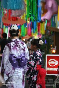 七夕祭りの商店街 - 一瞬をみつめて