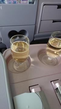 CI107便の機内食です - ひっちゃかめっちゃか的ブログ