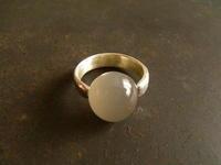 ムーンストーン リング - 石と銀の装身具