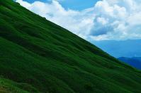 谷川岳 夏色の斜面 - 風の香に誘われて 風景のふぉと缶