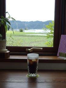 雨上がりの窓辺でアイスコーヒーを - 安曇野時間