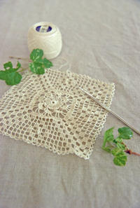 ちょっと休憩。細いレース糸でドイリーを。 - 浜松の刺繍教室 l'Atelier de foyu の 日々