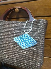 きれいな角を作りたい - 手編みバッグと南部菱刺し『グルグルと菱』