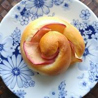 りんごの渦巻きパンの朝ごパン - 料理研究家ブログ行長万里  日本全国 美味しい話