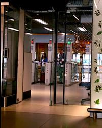 イミグレーション自動化/スキポール空港 - Nederlanden地位向上委員会