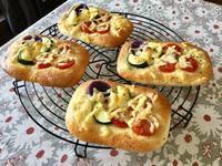 夏野菜フォカッチャ・2 - カフェ気分なパン教室  ローズのマリ