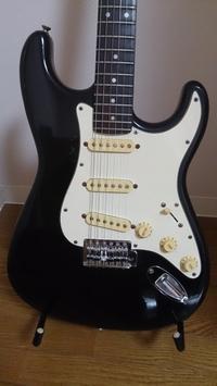Buroze ストラトタイプ ブラック - ぎたろうの安ギター伝説