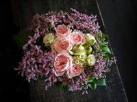 お盆用のアレンジメント。バラも使ってOK。2017/08/13ご来店。 - 札幌 花屋 meLL flowers