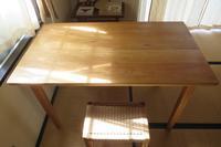 ・クルミのコンパクトテーブル - works //『世界最高品質の、世界一小さな家具ブランドを目指して』