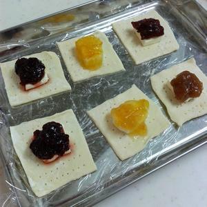 ジャムとクリームチーズのひとくちパイ -