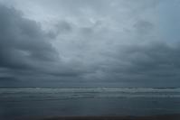 18時半が日没となりました。 - 東に向かえば海がある