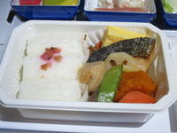 シンガポールへ出発!NH843 機内食は和食を。 - よく飲むオバチャン☆本日のメニュー