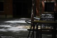 木陰のテーブル - Noriko's Photo  -light & shadow-