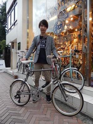 8月15日渋谷原宿の自転車屋FLAME bike前です -