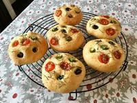 色々フォカッチャ・2 - カフェ気分なパン教室  ローズのマリ