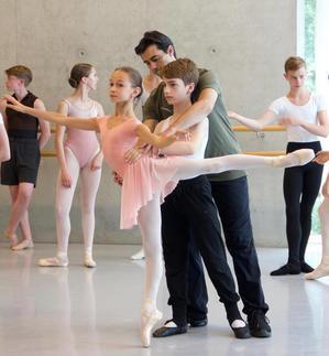 海外でも日本語でバレエレッスン♪  湯浅美華バレエ教室 in フランクフルト