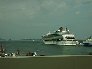 8月17日大型客船 -