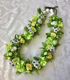 White × Green Bouquet Lei ホワイト× グリーン ブーケ レイ - ハワイでリボンレイ&製作スクール  Ribbon lei Happy na Mainichi!