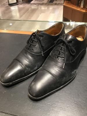靴のカビ、雨に濡れた靴をしっかりクリーニング!「Before・After」① - 銀座三越5F シューケア&リペア工房<紳士靴・婦人靴・バッグ・鞄の修理&ケア>