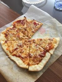原始的オーブン、ピザも焼けた - ヨーキー はちのお留守番とママの香港生活