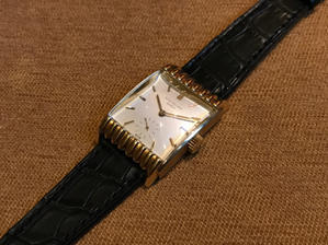 An accordion, cal.9-90搭載レクタンギュラー - PATEK PHILIPPE Blog by Luxurydays.