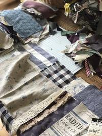 はぎれを布合わせ中・・・制作中の布小物はあの定番作品♪ - neige+ 手作りのある暮らし