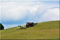 美瑛の丘とトラクター - 北海道photo一撮り旅