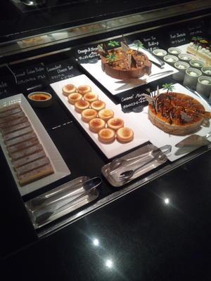 ウェスティンホテル東京 ザ・テラス トロピカルフルーツデザートブッフェ - C&B ~ケーキバイキング&ベーグルな日々~