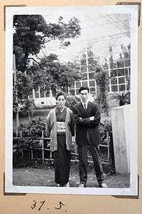 実家で発掘した写真その1:祖母と父。 - Isao Watanabeの'Spice of Life'.