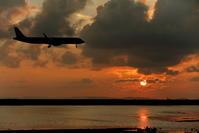 島影 - 南の島の飛行機日記