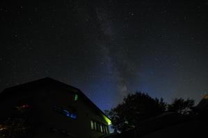 雨上がりの星空 - 高峰温泉の四季の移り変わりを写真と一言コメントで楽しんでください。