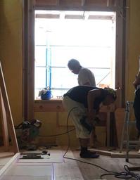 暑さにも負けない 若手大工さん - 現場のことは俺に聞け!~東村山市 相羽建設の現場ブログ~
