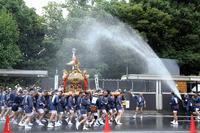 水掛け祭りを撮るならば、神輿と一緒に歩きましょう(深川八幡祭り)(最終回) - 旅プラスの日記