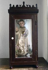 木製礼拝堂 ガラス入り 聖人像を収める棚  / 673 - Glicinia 古道具店