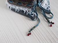 タティングレースの付け襟 〜贈る展もうすぐです〜 - 『 紙とえんぴつ。』 kamacosan. 糸とビーズのアクセサリー