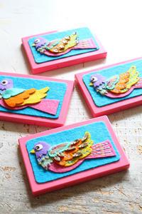 鳥のカードケース~「切って! 貼って! 刺しゅうをする フェルトと遊ぶ」より~ - ビーズ・フェルト刺繍作家PieniSieniのブログ