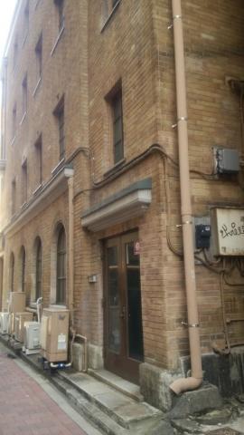 神保町散策 その1、移転していた文化学院 -