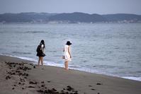 浜辺を歩く人々(5) - 一人の読者との対話