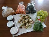 実家から届いた新鮮野菜シリーズ - お弁当と春の空