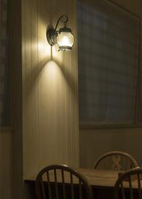 灯りが素敵なカフェなのに - ほほえみ