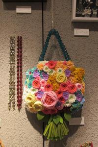 マガジンランド主催「贈る展」~展示作品のご紹介~ - ビーズ・フェルト刺繍作家PieniSieniのブログ