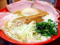 三代目 麺と人@出雲 ★★ (純濃厚 鶏らーめん+レアチャーシュー) - 麺ある記 山陰 ~ラーメンの旅~