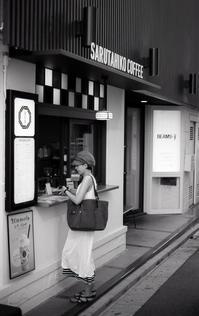 コーヒースタンド - 心のカメラ / more tomorrow than today ...