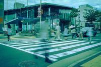 1/4秒の郊外ショッピングストリート - Soul Eyes